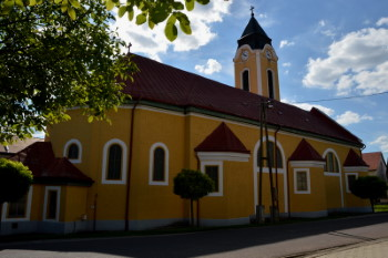 Császártöltés - Templom
