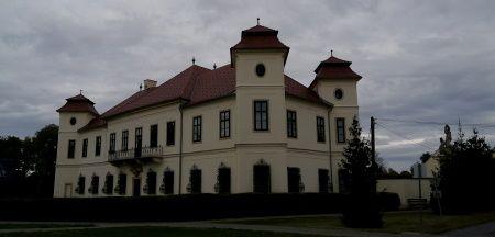 Hajós látnivalók - Érseki kastély